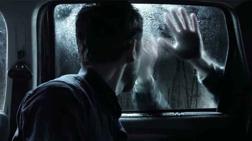 voiture horreur peur main homme panique