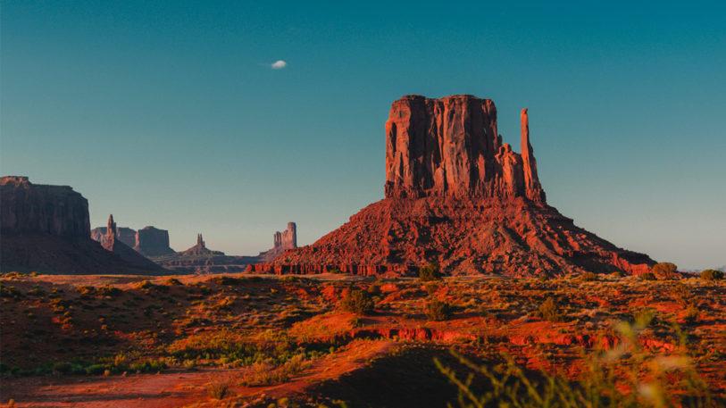 désert roche rouge pierre ciel bleu